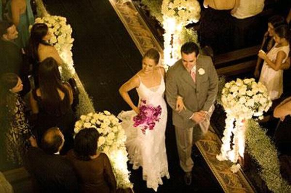 Saída dos noivos vista do alto